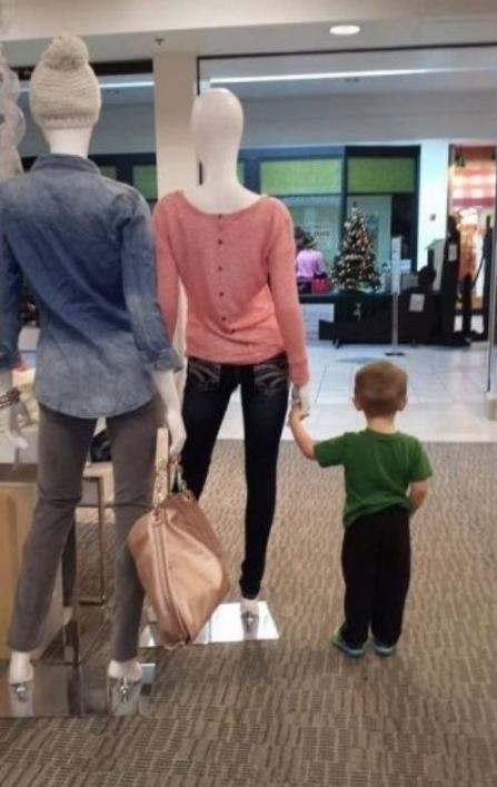 Lost kid in mall