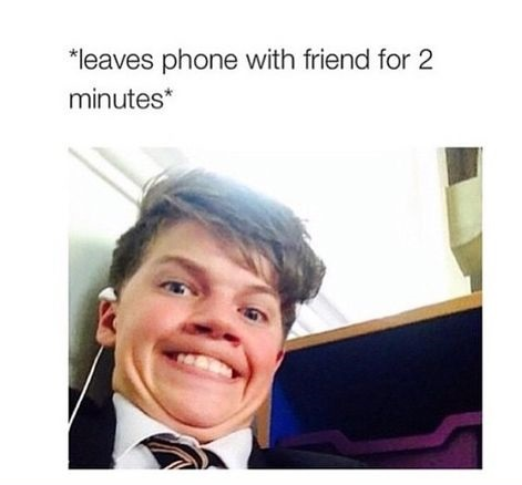 phone-friend-selfie