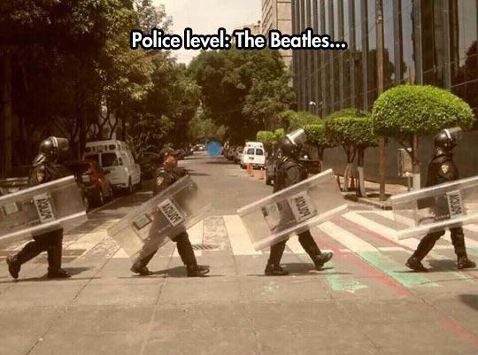funny-police-street-Beatles-old-picture