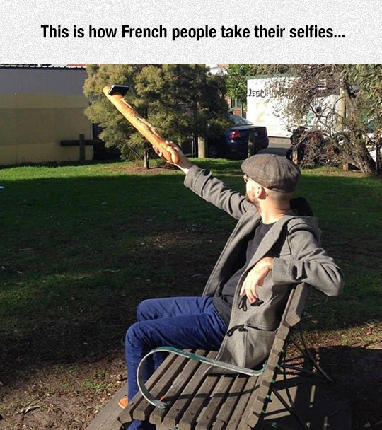 funny-French-bread-selfie-phone