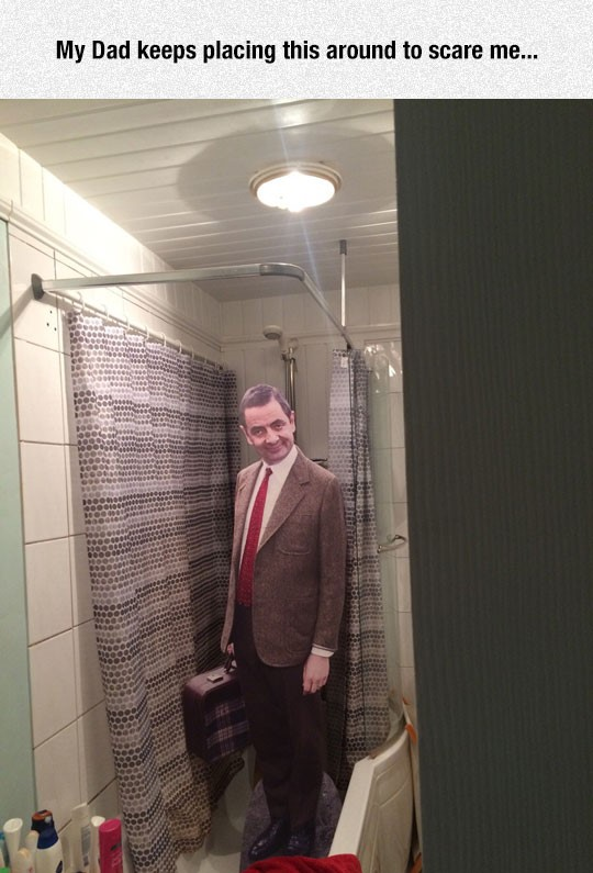 funny-Mr-Bean-cardboard-cutout-bathroom