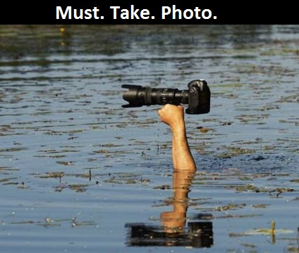 photographer-river-must-take-photo