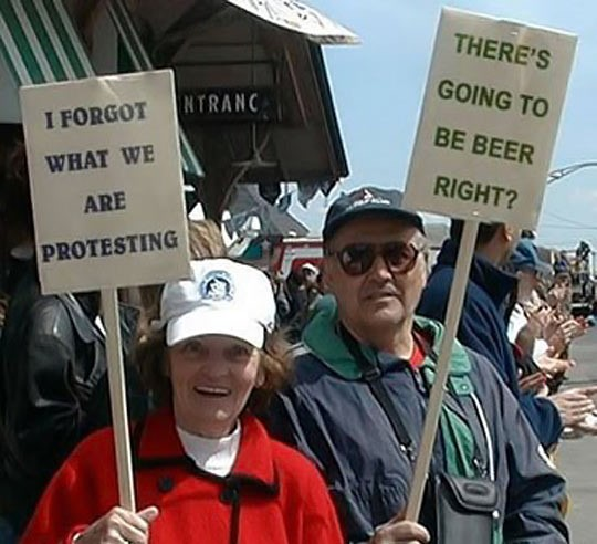 funny-protest-signs-old-man-woman-couple