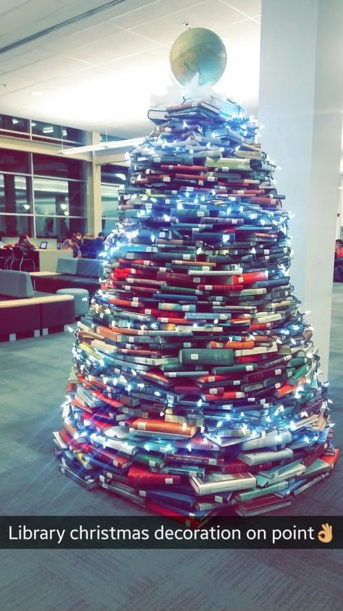 library-christmas-tree-books