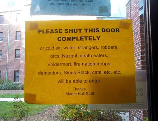 cool-sign-close-the-door