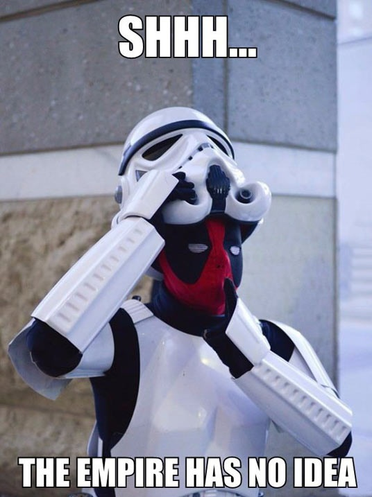 funny-deadpool-stormtrooper-disguise-hidden