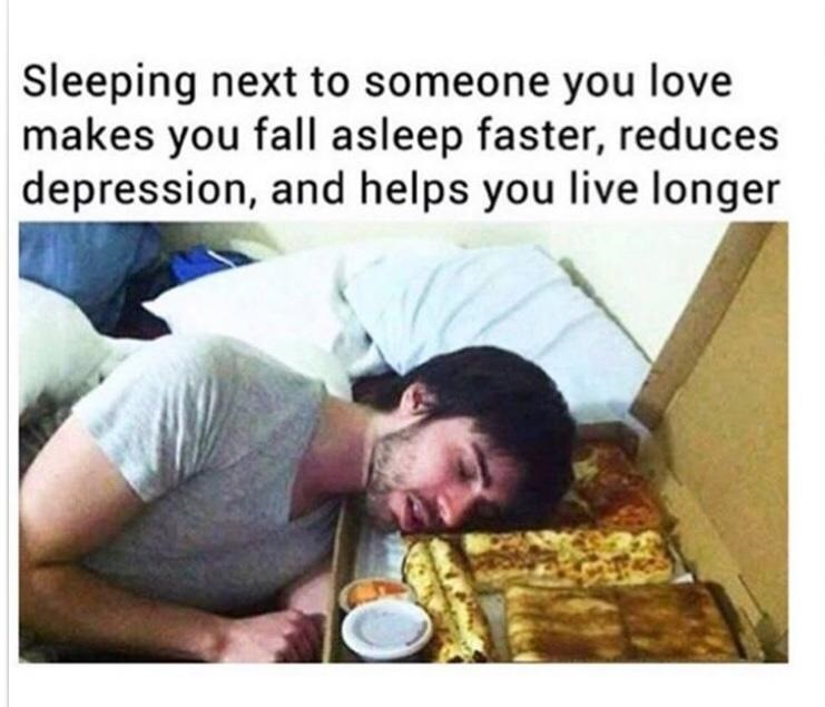 sleeping-love-pizza-food