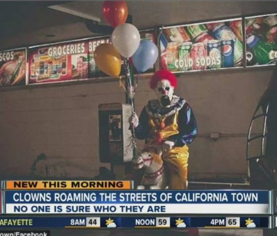 cool-clown-roaming-california-creepy